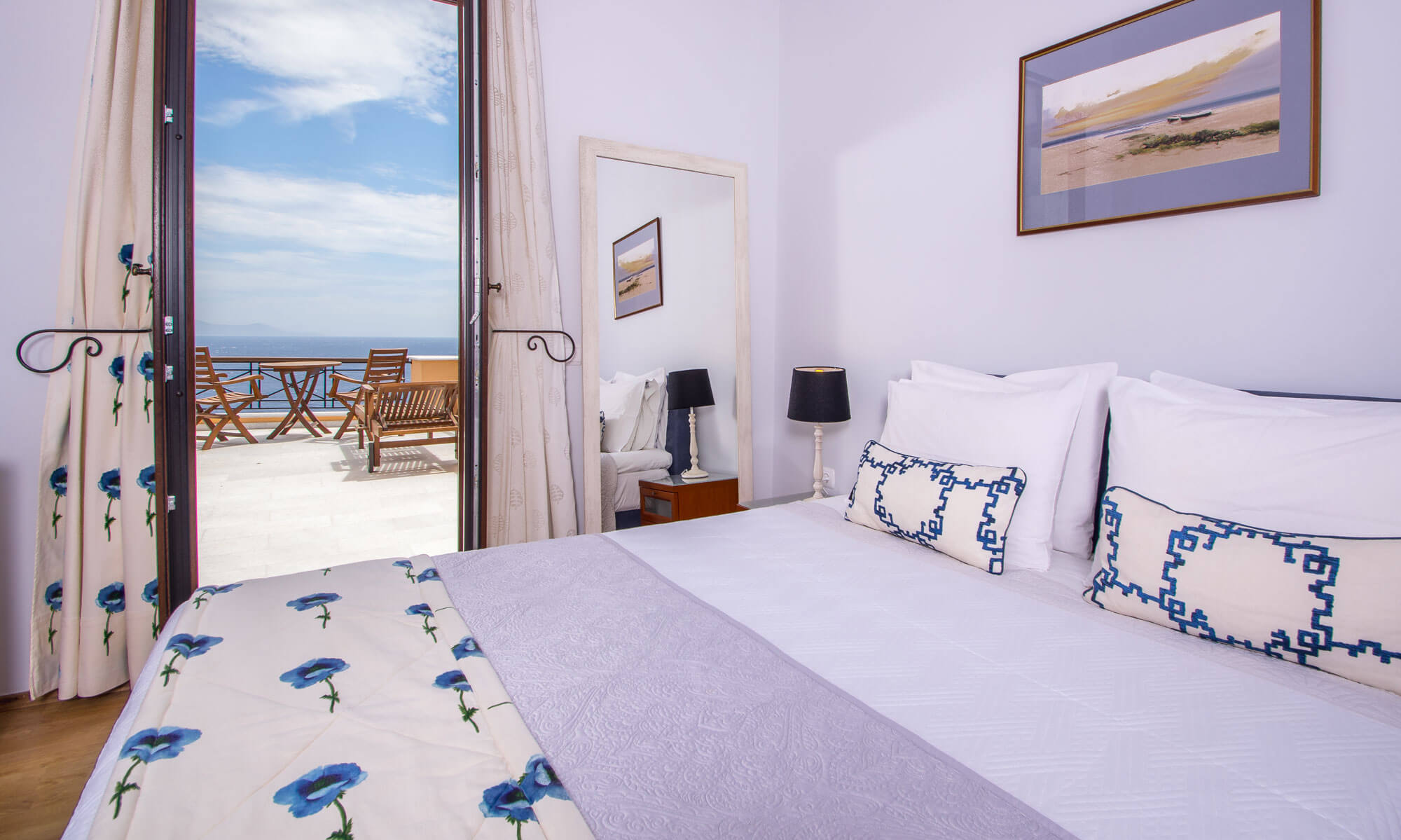 Blue deluxe double room Hermoupolis Syros